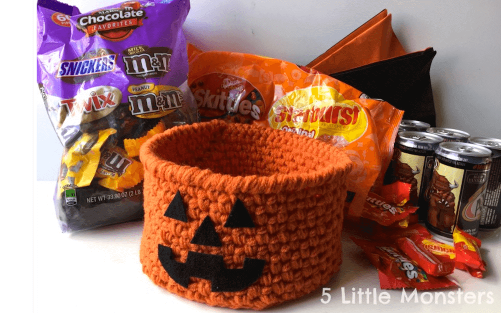 pumpkin BOO basket crochet halloween pattern by 5 little monsters