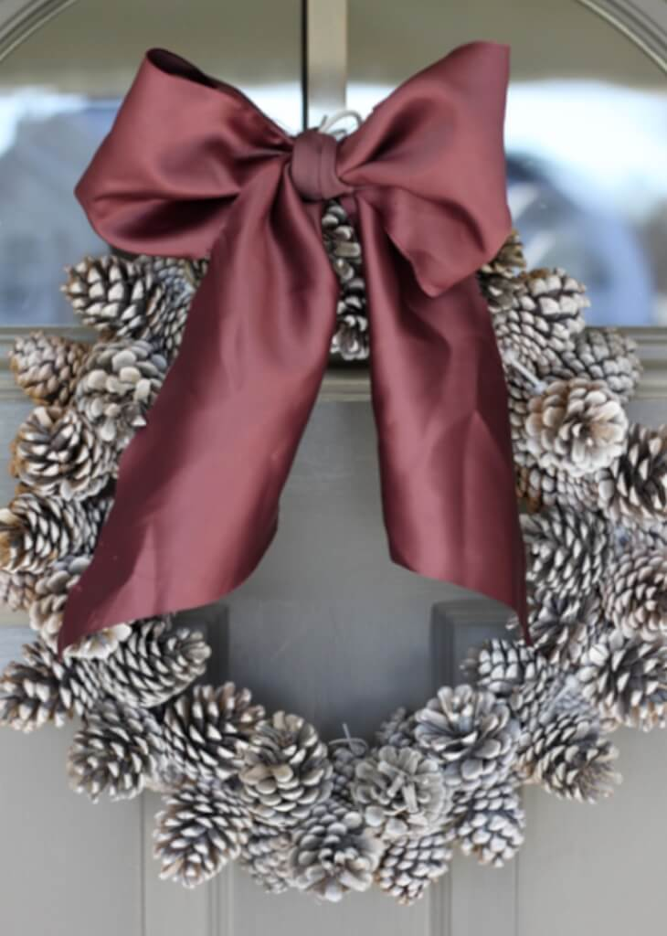 christmas pine cone crafts- pine cone wreath