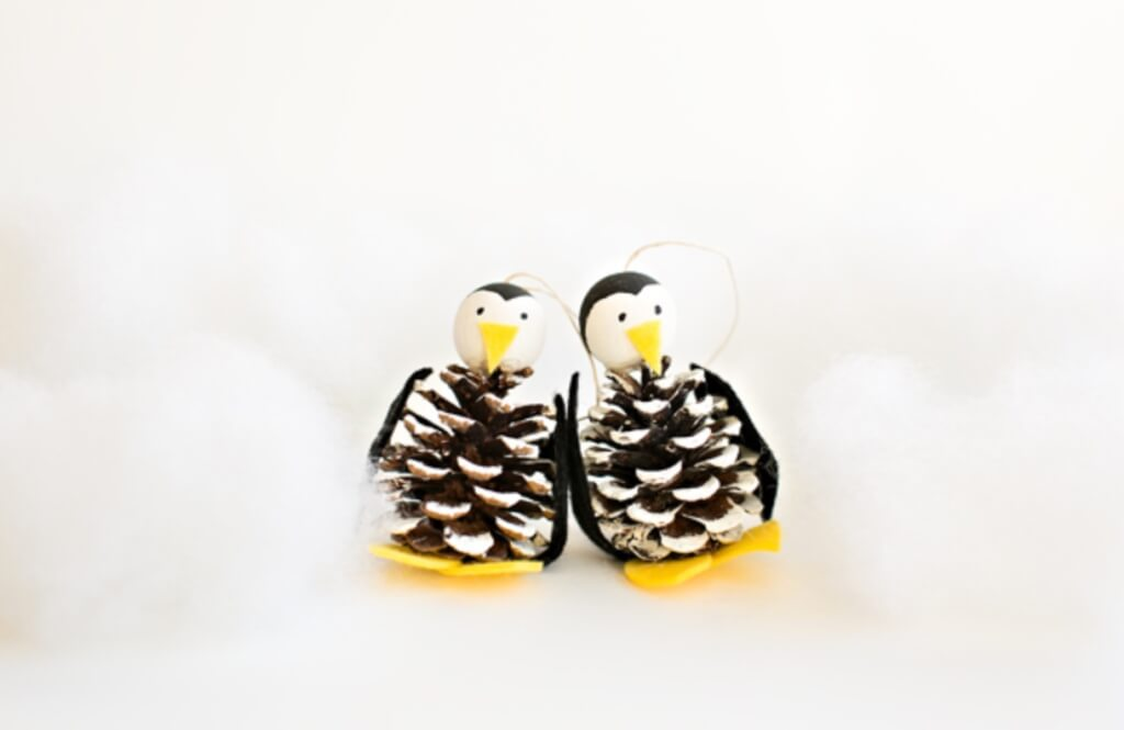 christmas pine cone crafts- penguin ornaments