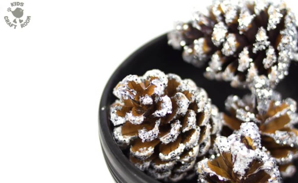 Christmas pine cone crafts- frosty pine cones