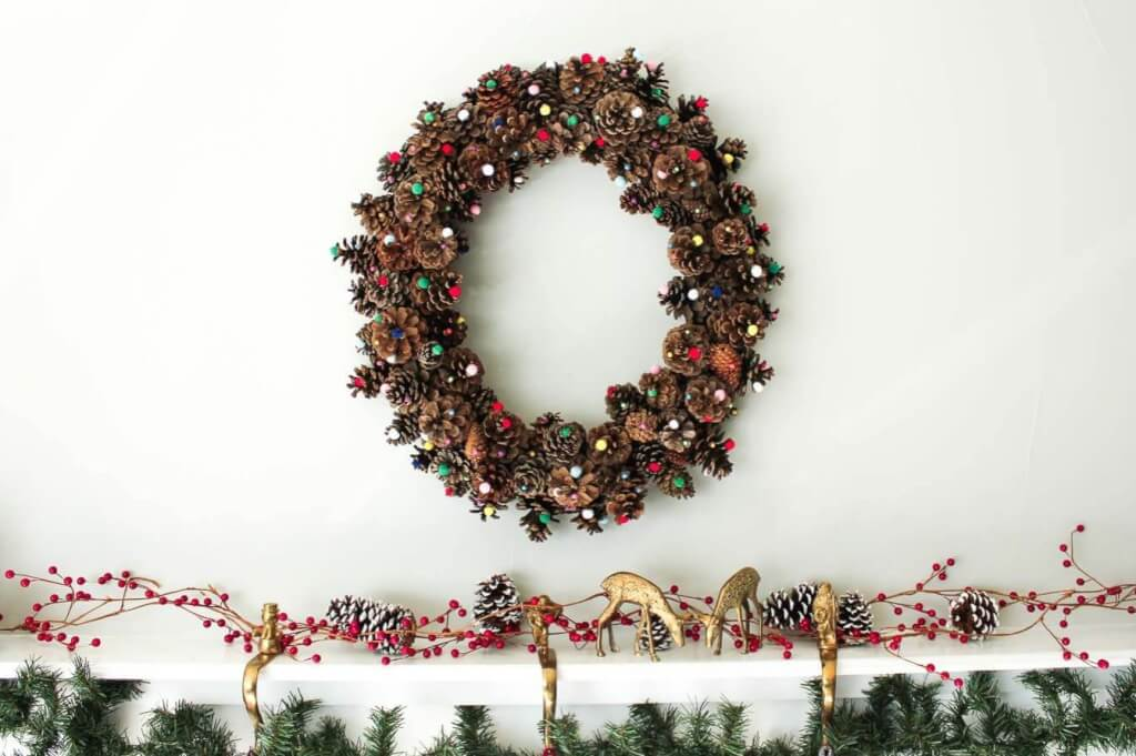 Christmas pine cone crafts- pine cone and pom pom wreath